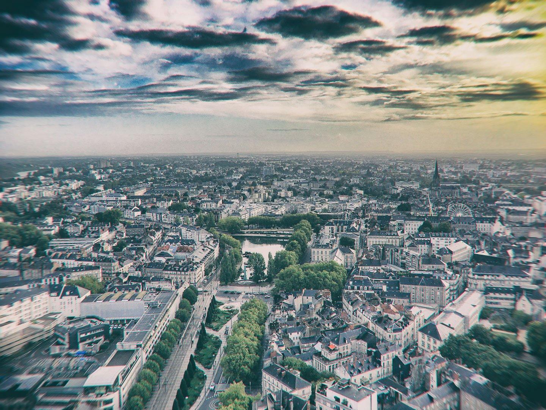 vue sur la ville depuis le tour d'une tour