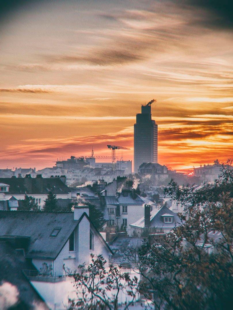 la tour Bretagne au lever du soleil